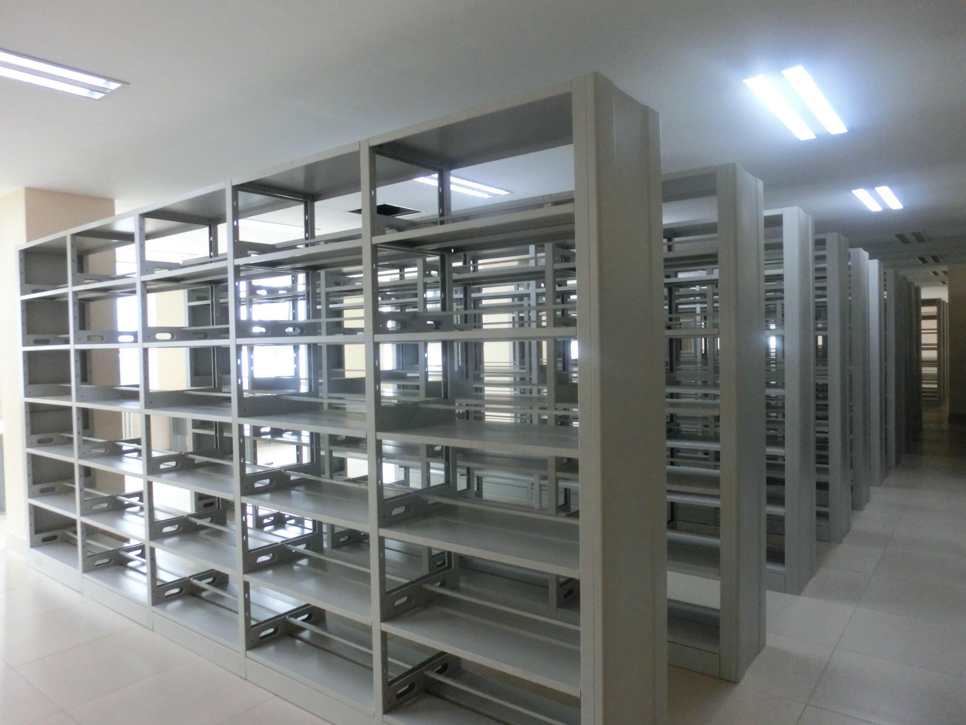 书店钢制书架