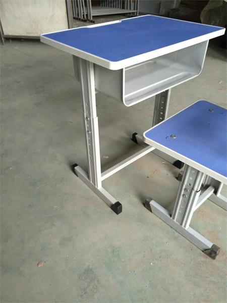 升降课桌椅样式